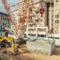 הנפת פלטת בטון 9 מטרים לאחר ניסור בטון בירושלים